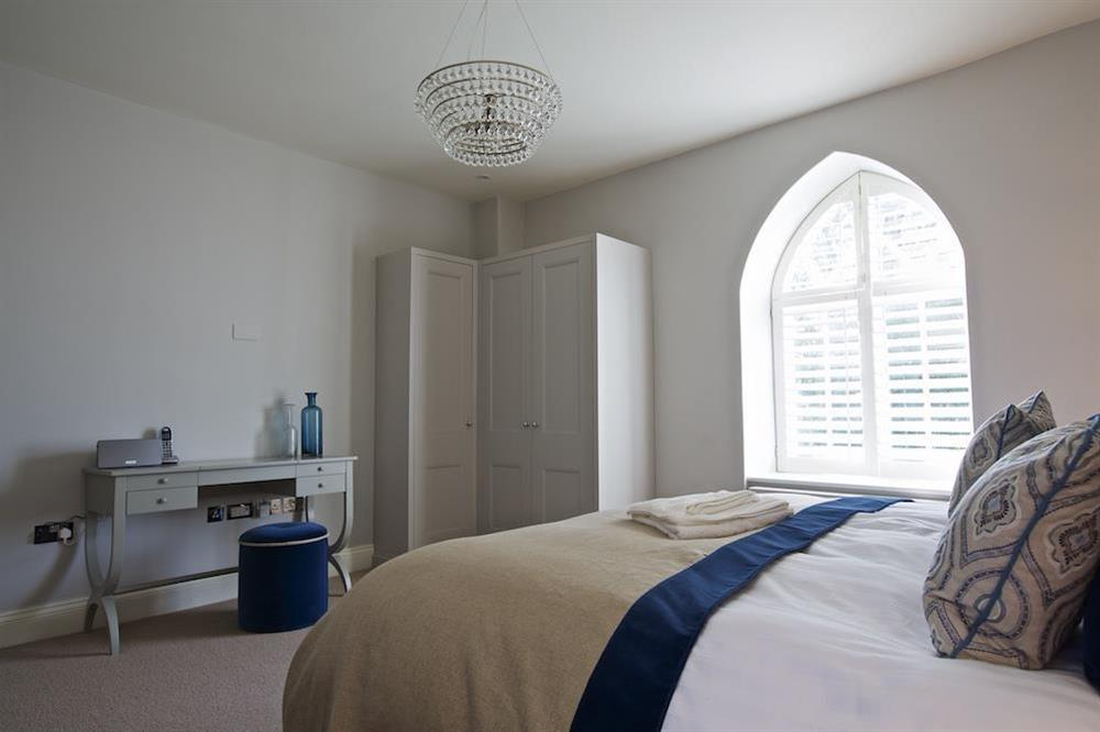Second en suite bedroom with super-King size bed (photo 3) at Hillfield Farmhouse in , Hillfield, Dartmouth