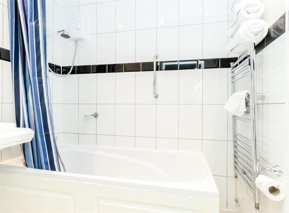 Bathroom (photo 3) at Holmefield House in Darley Dale, near Matlock, Derbyshire