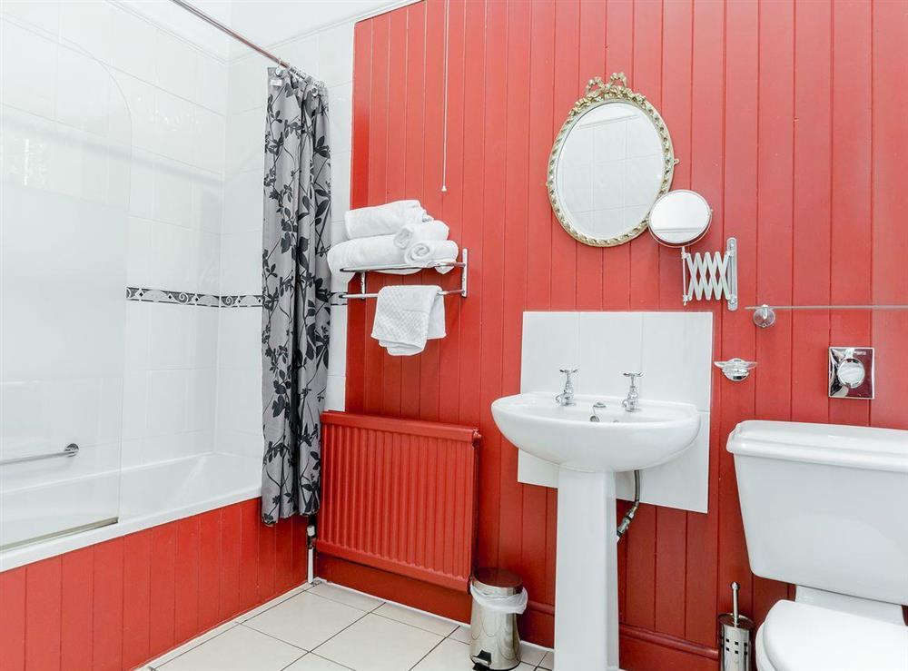 Bathroom at Holmefield House in Darley Dale, near Matlock, Derbyshire