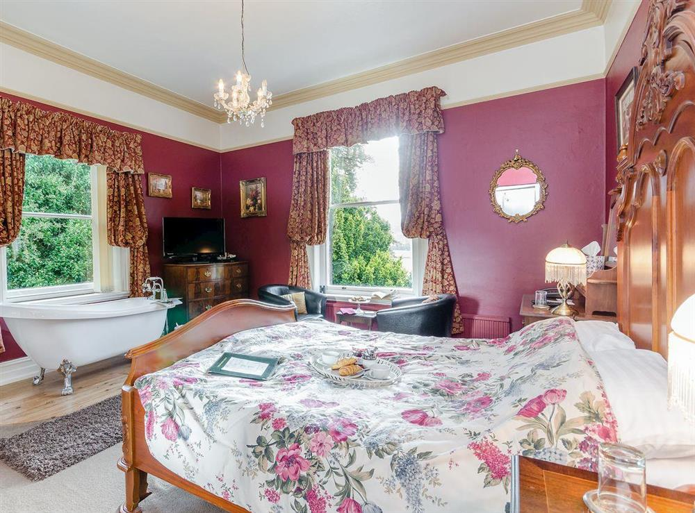 Double bedroom (photo 2) at Holmefield House in Darley Dale, near Matlock, Derbyshire