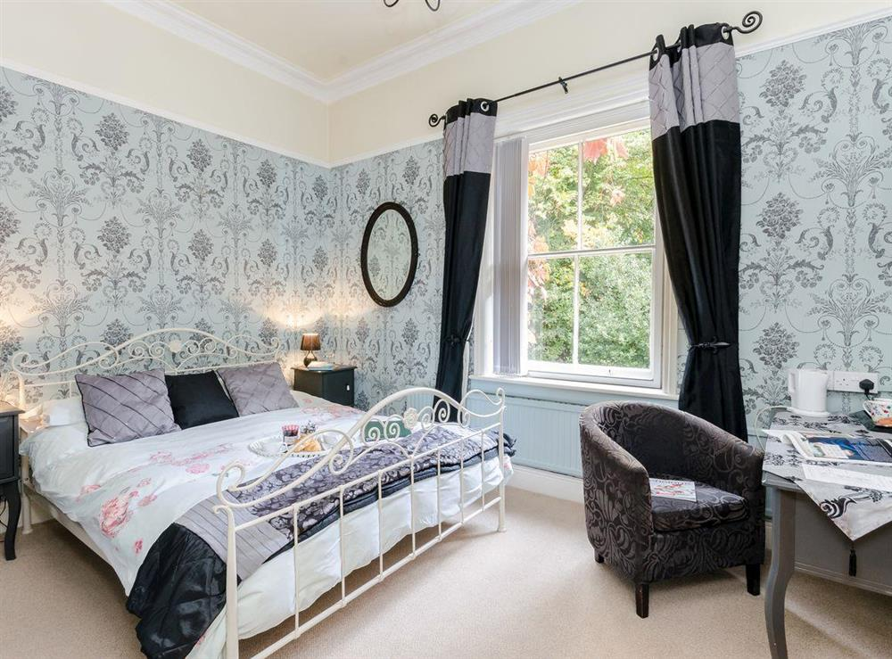 Double bedroom (photo 4) at Holmefield House in Darley Dale, near Matlock, Derbyshire