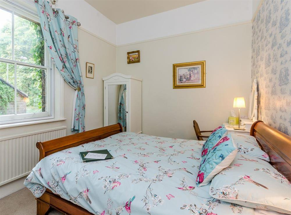Double bedroom (photo 5) at Holmefield House in Darley Dale, near Matlock, Derbyshire
