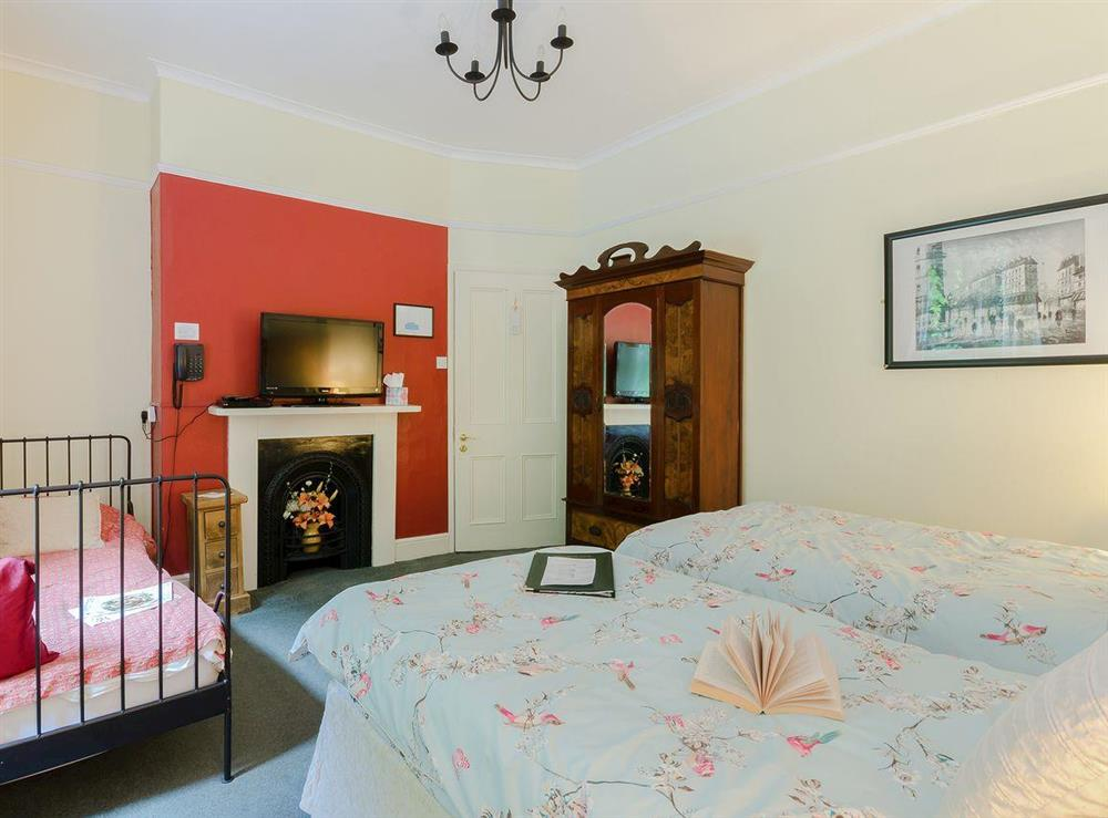 Double bedroom (photo 7) at Holmefield House in Darley Dale, near Matlock, Derbyshire
