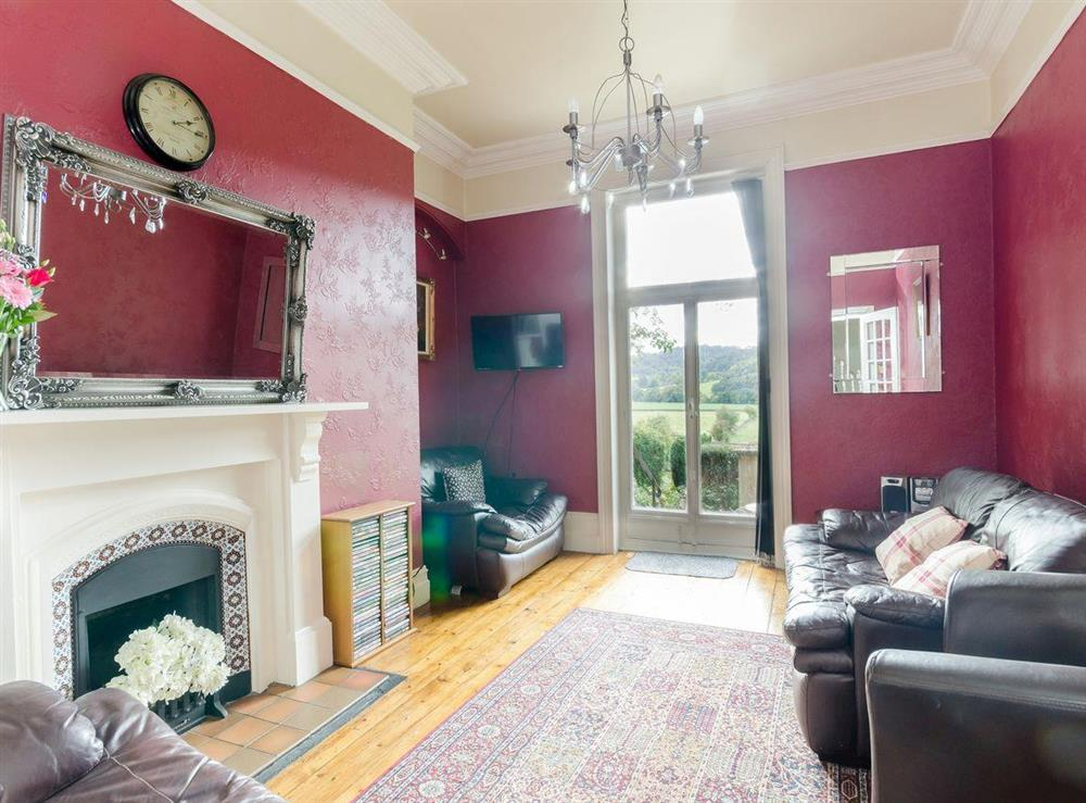 Living room (photo 3) at Holmefield House in Darley Dale, near Matlock, Derbyshire