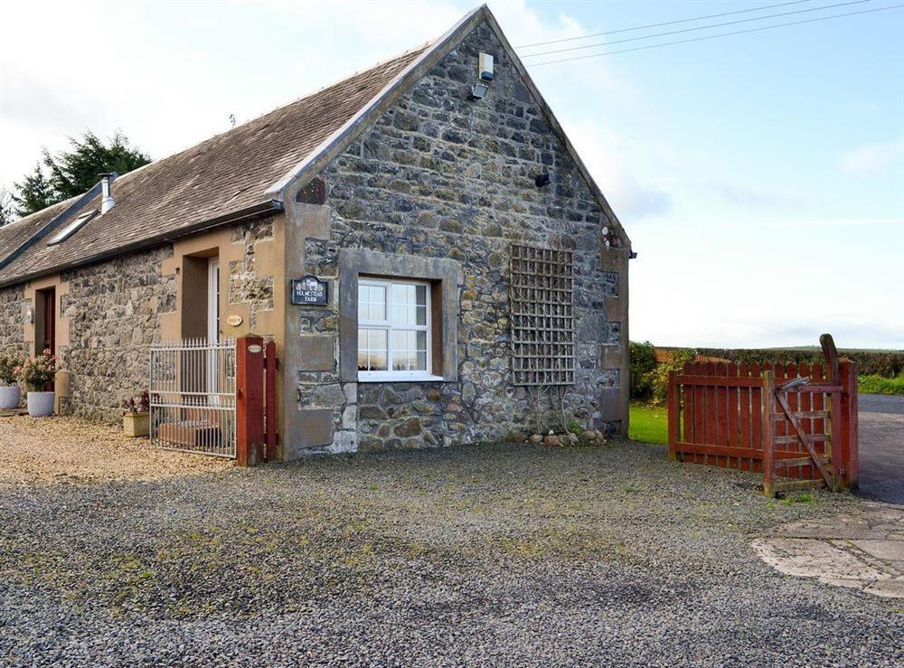 Semi-detached courtyard cottage at Doon Cottage,