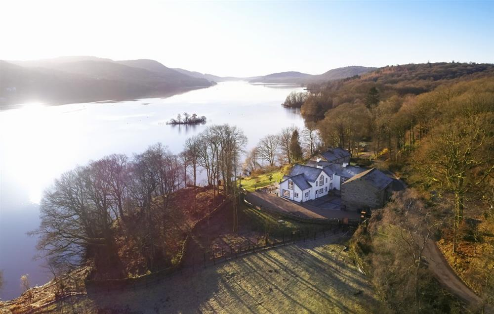 Aerial view of Holmewell House and its stunning waterside location