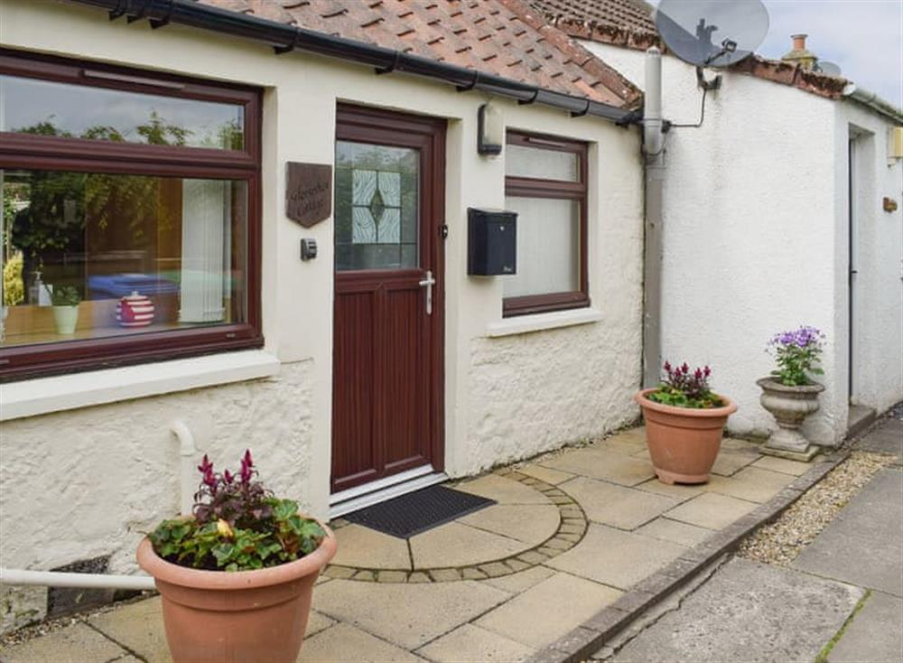 Idyllic holiday home at Horseshoe Cottage in Freuchie, near Cupar, Fife