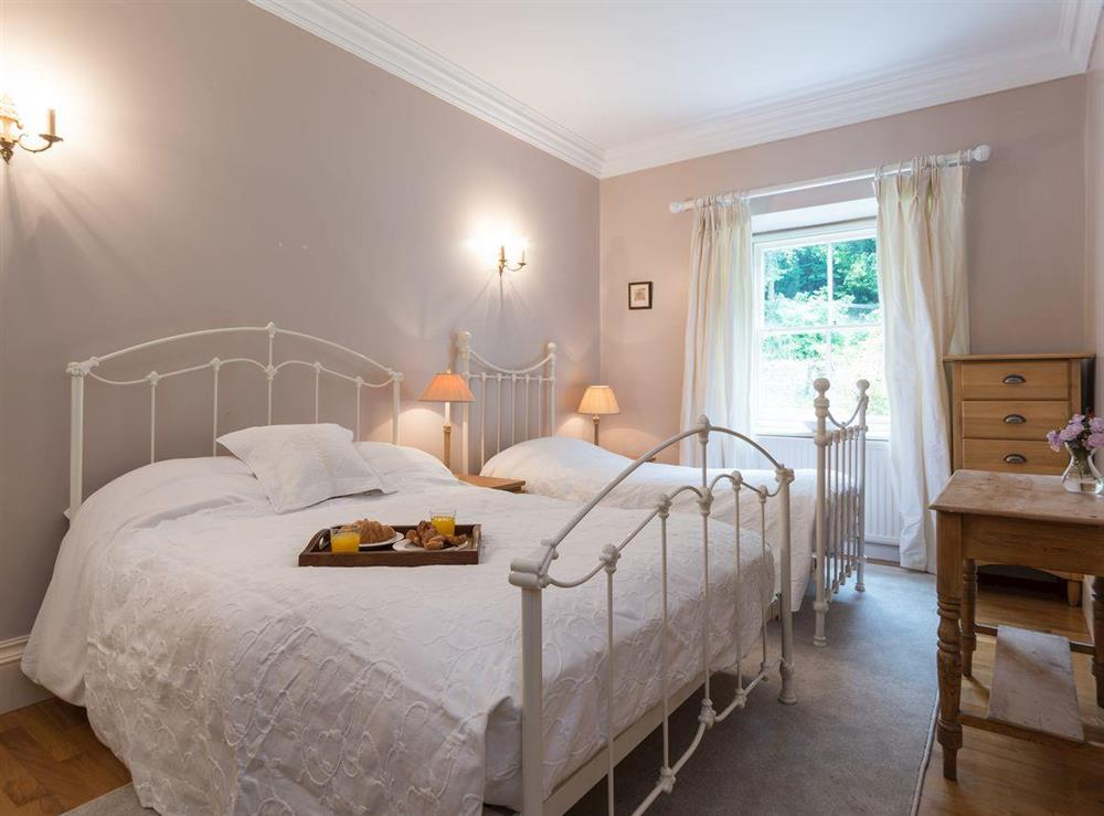Twin bedroom at Howe Villa in Richmond, North Yorkshire