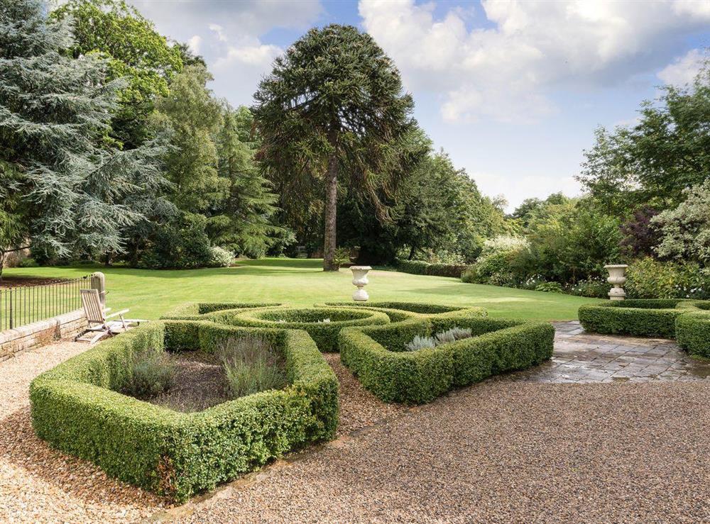Wonderful gardens (photo 2) at Howe Villa in Richmond, North Yorkshire