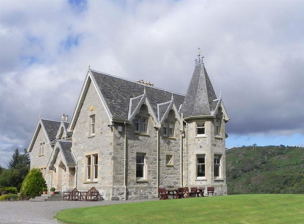Magnificent detached holiday home at Inveroykel Lodge in Rosehall, near Bonar Bridge, Highlands, Ross-Shire