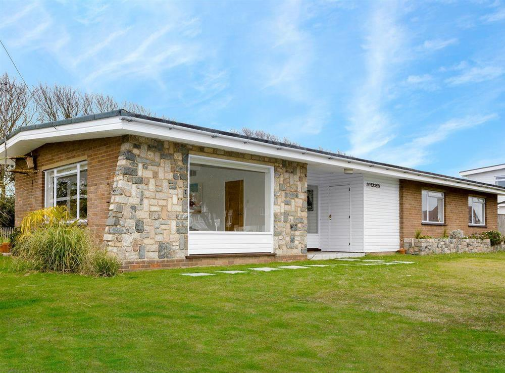 Charming holiday bungalow at Invershin in Thorpeness, near Aldeburgh, Suffolk