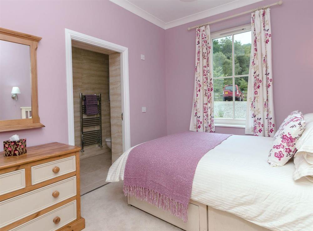 Comfy double bedroom at Graces Cottage,