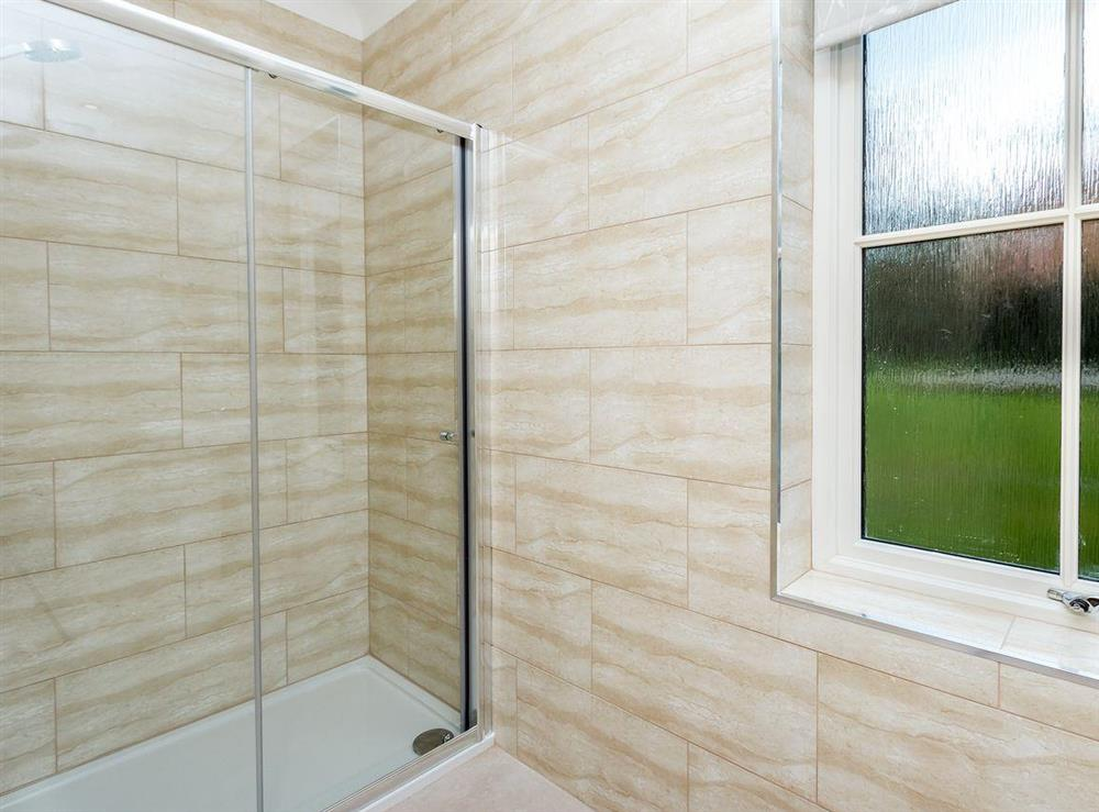 Large en-suite shower room at Graces Cottage,