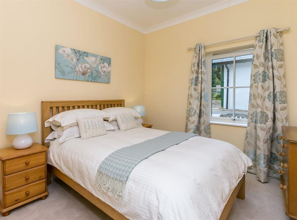 Well presented double bedroom at Graces Cottage,