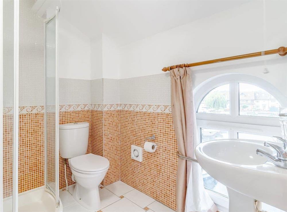 Bathroom at Jib Sail in Wroxham, Norfolk
