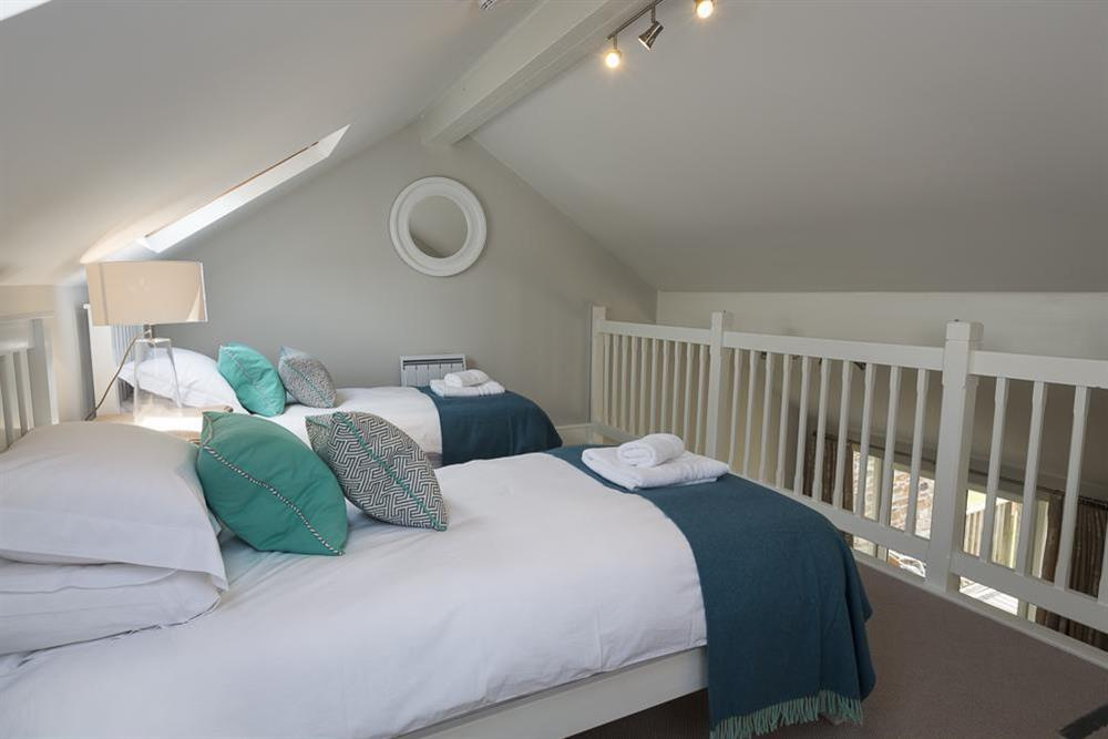 Gallery bedroom with two single beds (photo 2) at Keepers Cottage 4 in Hillfield, Dartmouth