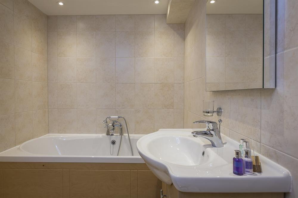 En suite bathroom at Keepers Cottage 5 in Hillfield, Dartmouth