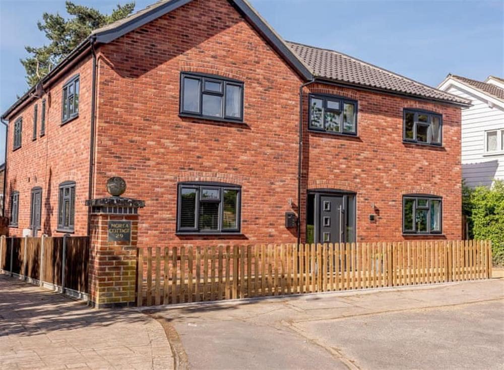 Attractive holiday home at Kingfisher Lodge in Horning, Norfolk