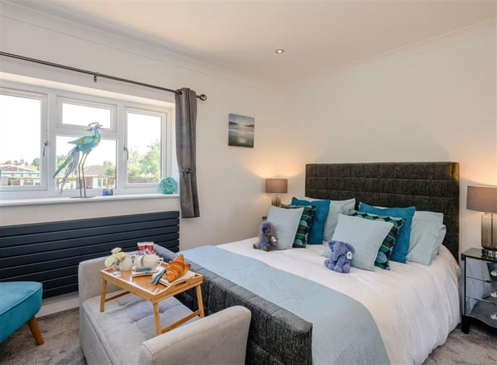 Charming double bedroom at Kingfisher Lodge in Horning, Norfolk
