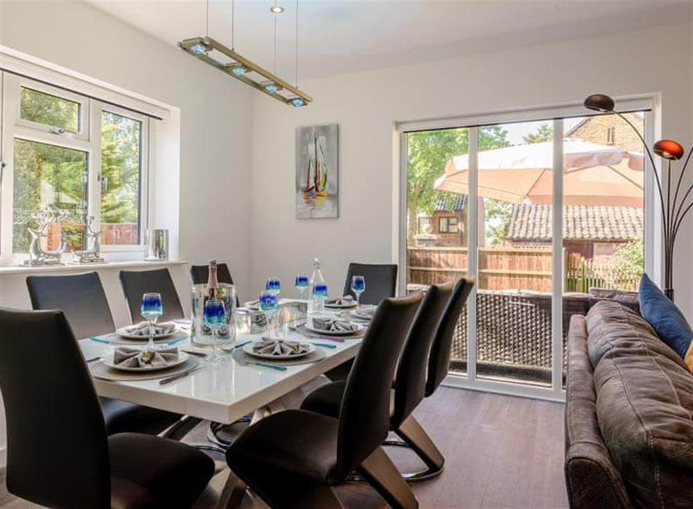 Spacious dining area at Kingfisher Lodge in Horning, Norfolk