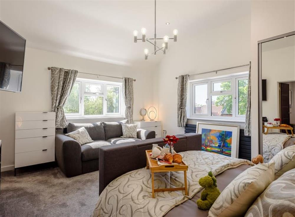 Sumptuous double bedroom (photo 3) at Kingfisher Lodge in Horning, Norfolk