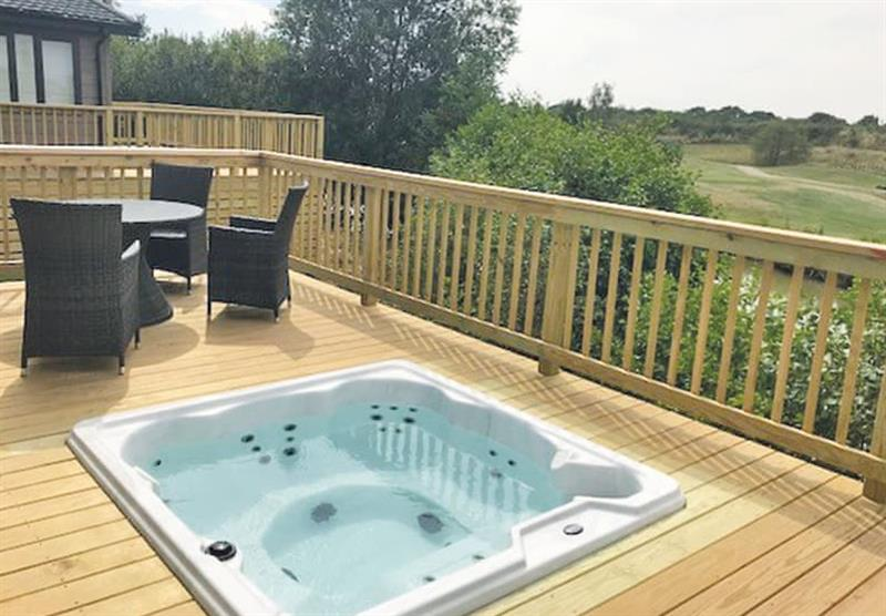 Hot tub and decked area in the Kingswood at Kingswood Golf Lodges in Doncaster, South Yorkshire