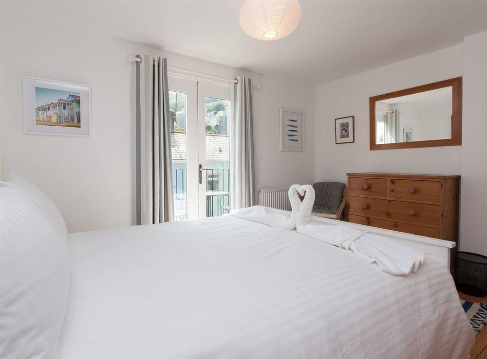 Homely and inviting double bedroom at Kitkat Cottage in Dartmouth, Devon