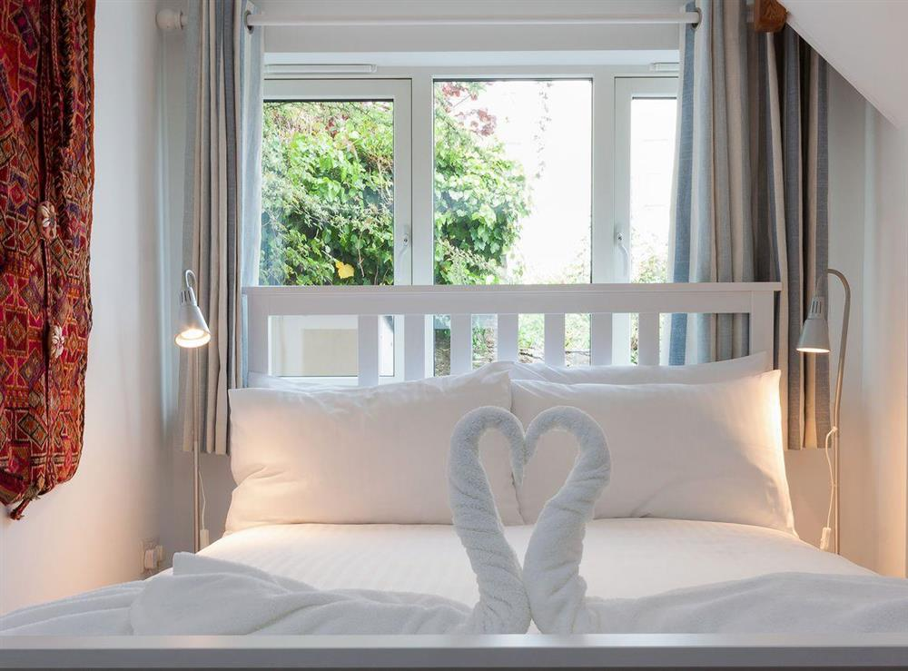 Light and airy double bedroom at Kitkat Cottage in Dartmouth, Devon