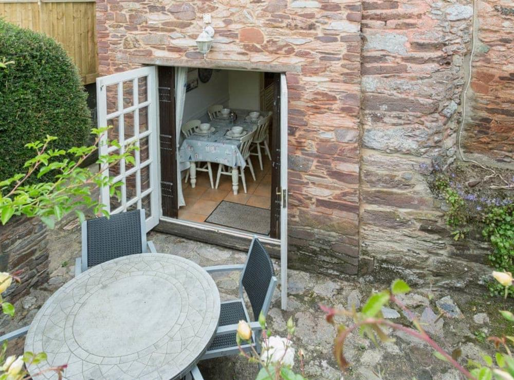 Sitting-out-area at Laurel Cottage in Stoke Gabriel, South Devon., Great Britain