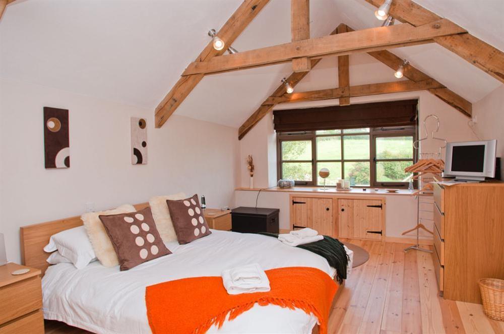 En suite master bedroom at Little Cotton Barn in Venn Lane, Nr Dartmouth