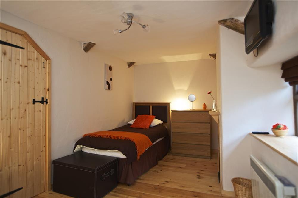 Second bed in twin room at Little Cotton Barn in Venn Lane, Nr Dartmouth