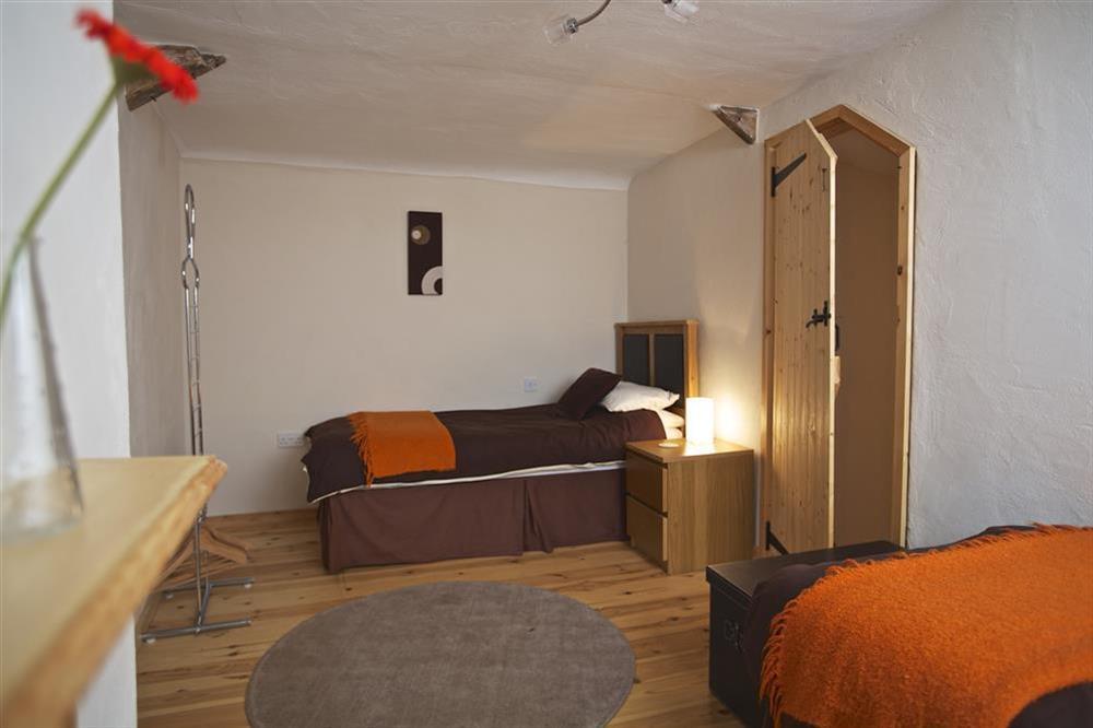 Twin bedroom at Little Cotton Barn in Venn Lane, Nr Dartmouth