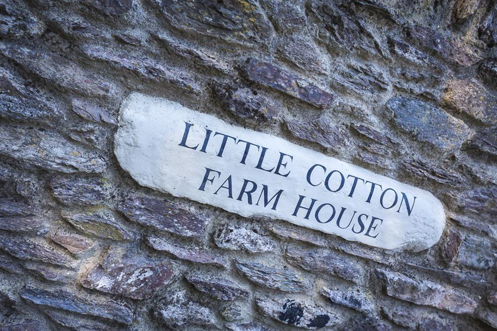 Little Cotton Farmhouse and Barn, Dartmouth (photo 3) at Little Cotton Farmhouse in Venn Lane, Nr Dartmouth