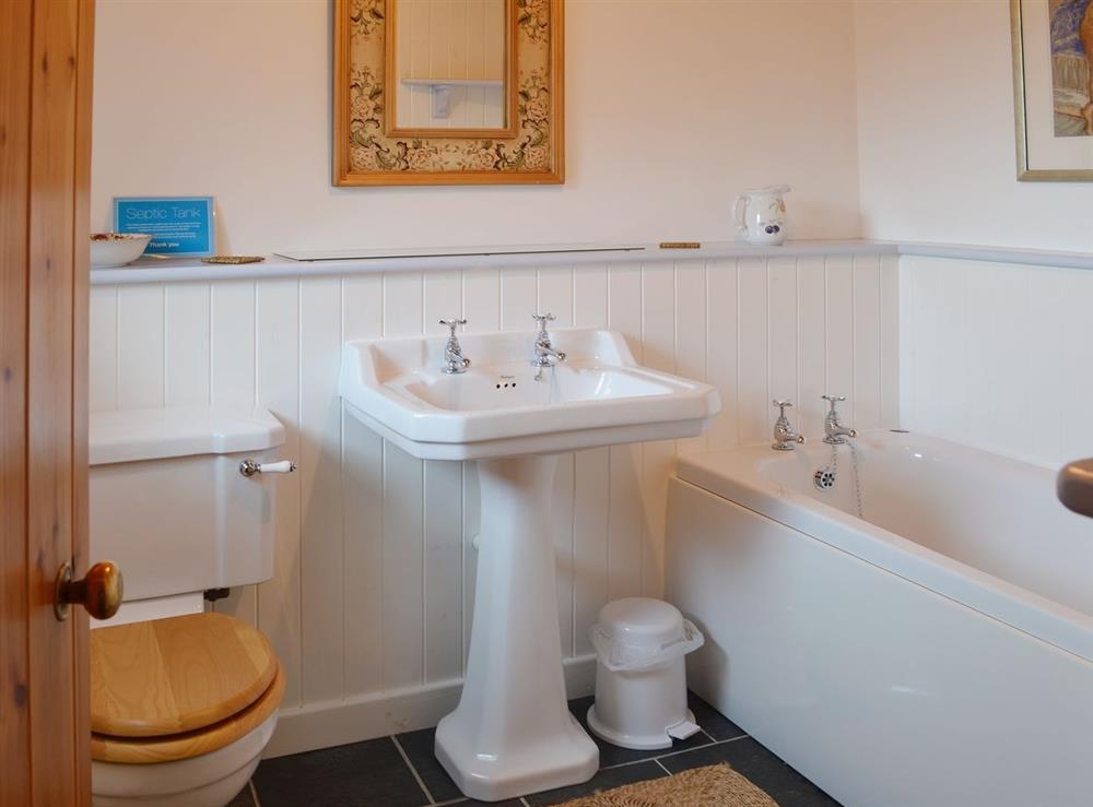 Bathroom at Llwyn Onn in Llangian, near Abersoch, Gwynedd