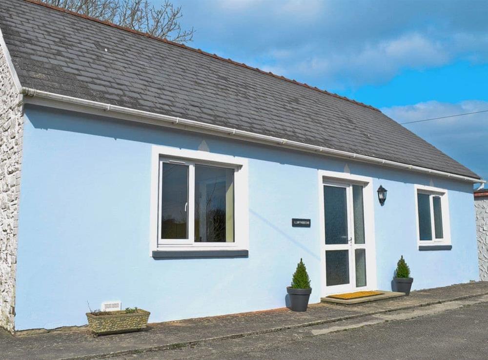 Exterior at Llwynbedw in St Dogmaels, near Cardigan, Dyfed