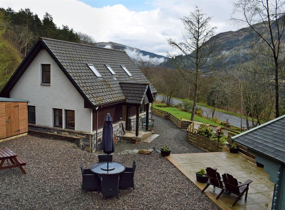 Wonderful cottage with spectacular views of Loch Lubnaig at Loch View Cottage in Strathyre, near Callander, Perthshire