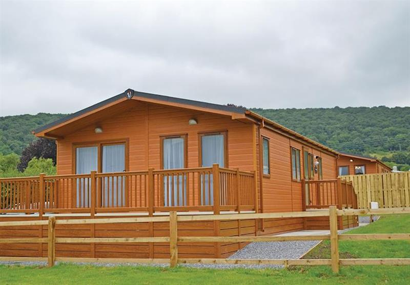 Kingfisher Lodge at Longmead Country Escapes in Cheddar, Nr Wells