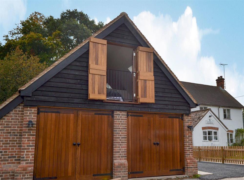 Lovely, detached first floor studio at Lovegroves Studio in Checkendon, near Reading, Oxfordshire