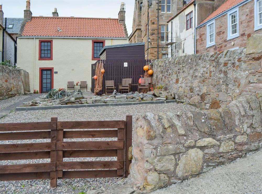 Characterful holiday home with large enclosed courtyard at Low Tide in Cellardyke, near Anstruther, Fife