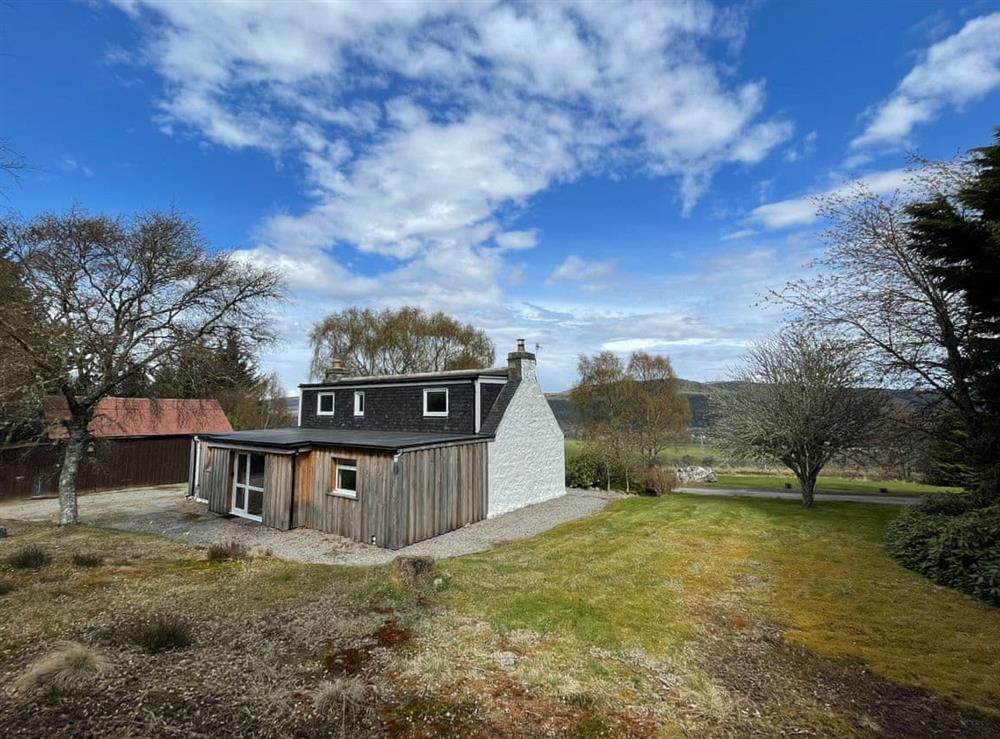 Garden at Lower Hilton Cottage in Culrain, Lairg, Ross-Shire