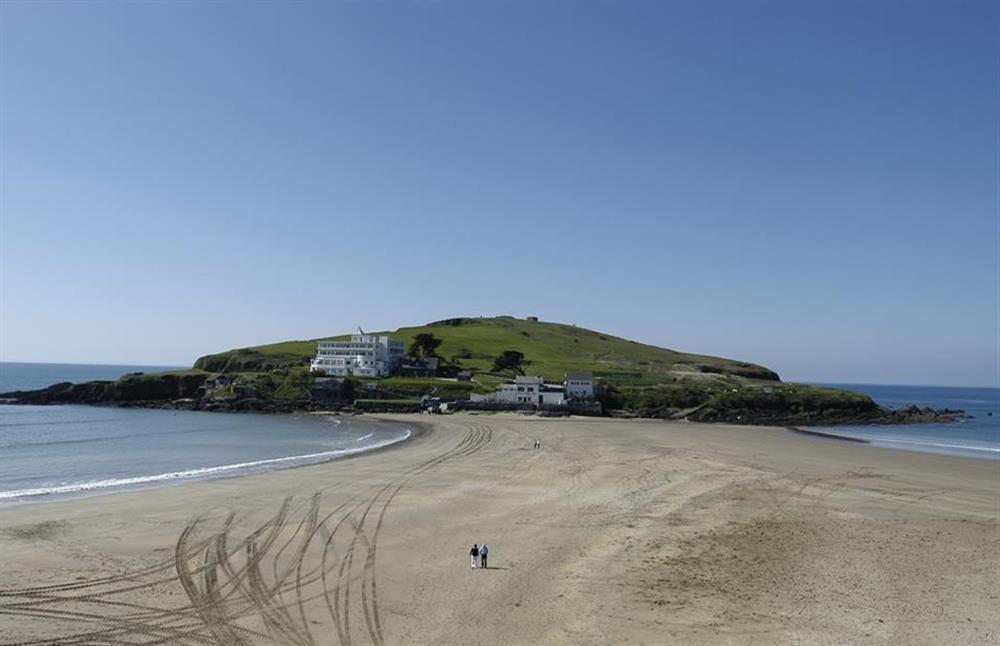 Bigbury-on-Sea and Burgh Island is just 15 to 20 minutes by car at Lydiard Cottage, Loddiswell