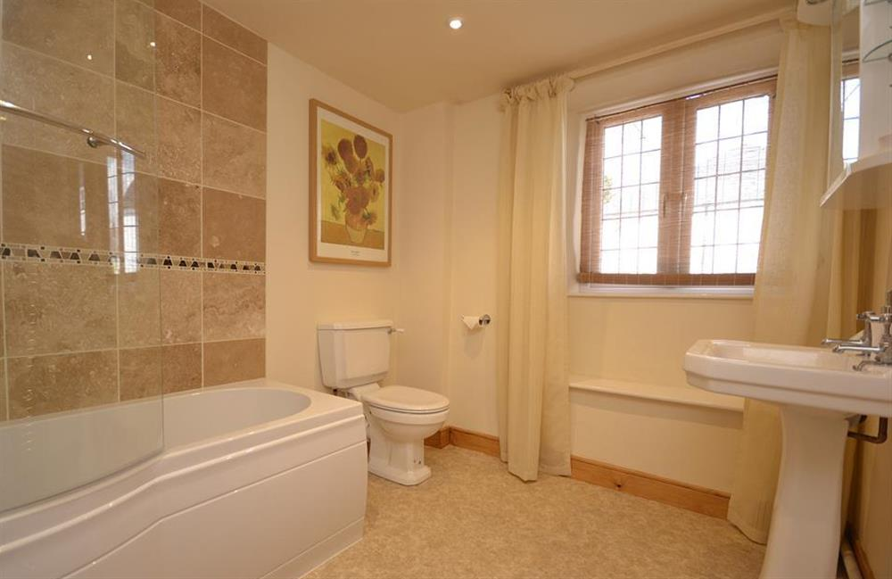 The family bathroom at Lydiard Cottage, Loddiswell