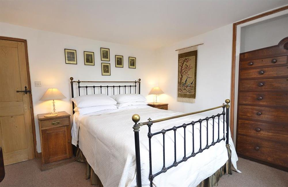 The first double bedroom at Lydiard Cottage, Loddiswell