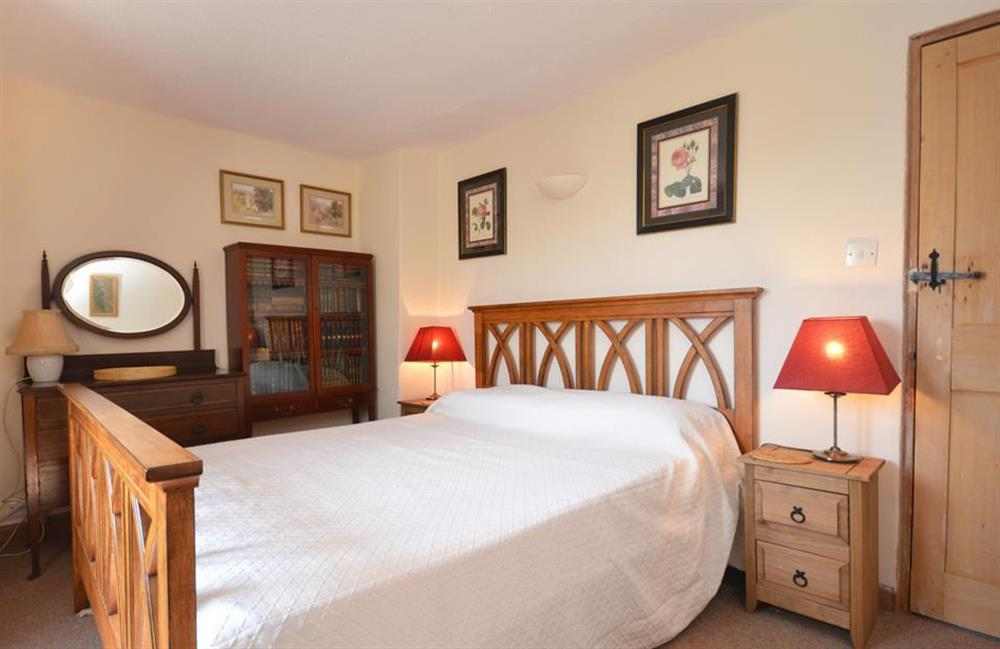 The second double bedroom at Lydiard Cottage, Loddiswell