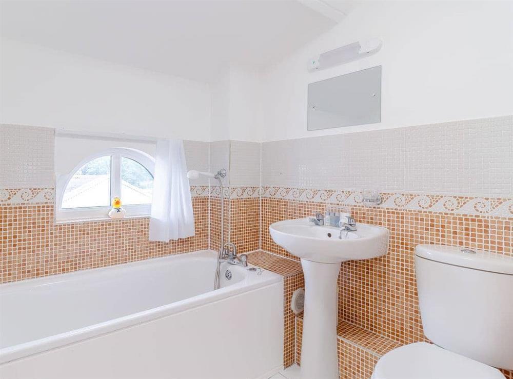 Bathroom at Main Sail in Wroxham, Norfolk