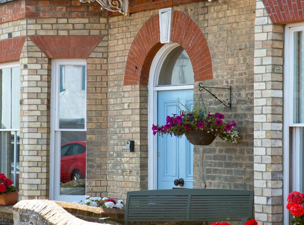 Attractive seafront holiday home at Market Cross Place in Aldeburgh, Suffolk