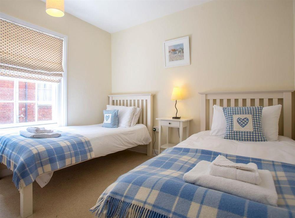 Peaceful second twin bedroom at Market Cross Place in Aldeburgh, Suffolk