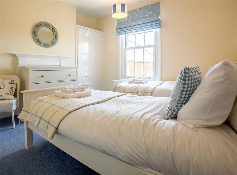 Restful twin bedroom at Market Cross Place in Aldeburgh, Suffolk