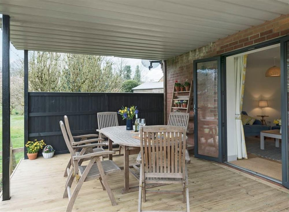 Relaxing sitting-out-area at Meadow View in North Walsham, Norfolk