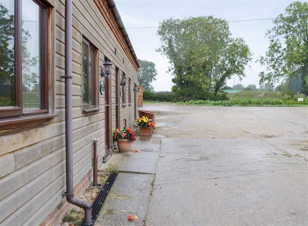 Attractive cottages with large courtyard parking area